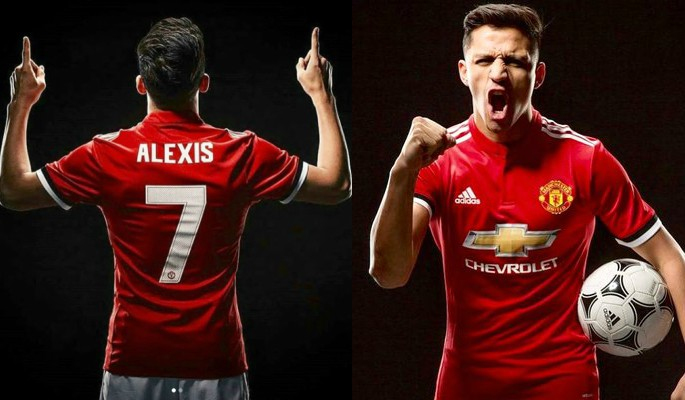 Alexis Sanchez in his new Manchester United Shirt