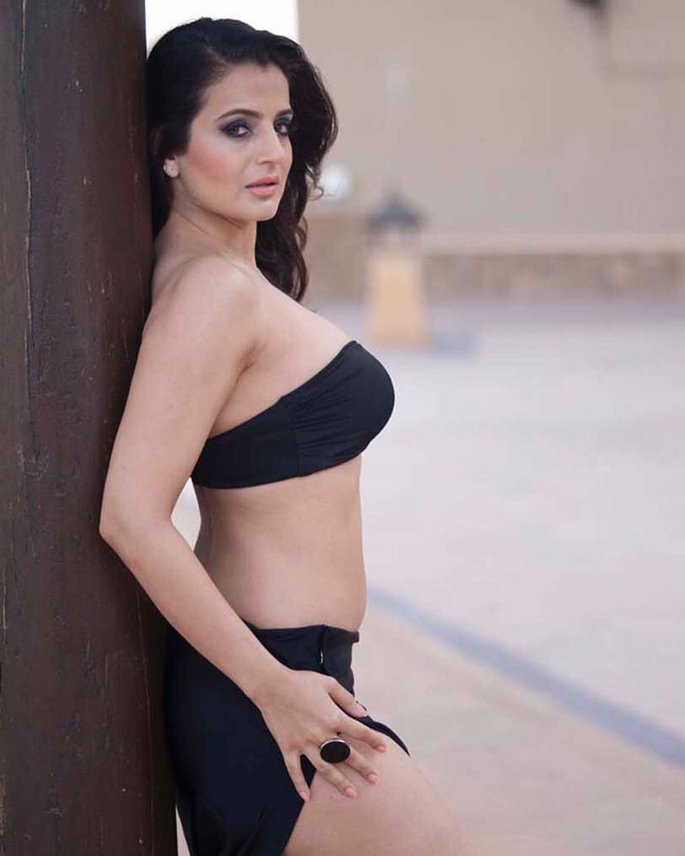 Sex images of amisha patel