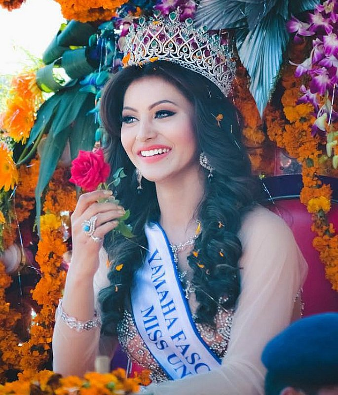 10 indian models that just look totally amazing desiblitz urvashi rautela representing india for miss universe voltagebd Images