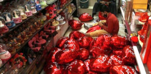 Outcry as Pakistan bans Valentine's Day