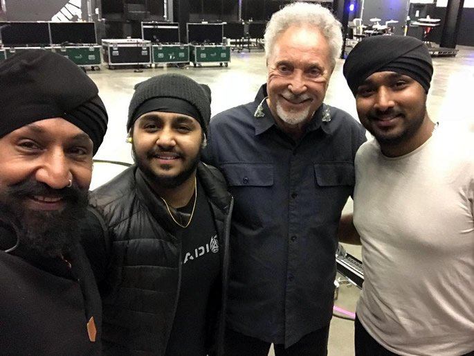 Johnny Kalsi and Tom Jones open for Queen's 92nd Birthday Party