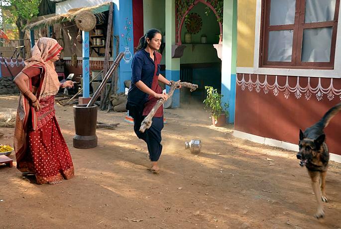 prachi tehlan dog runs away