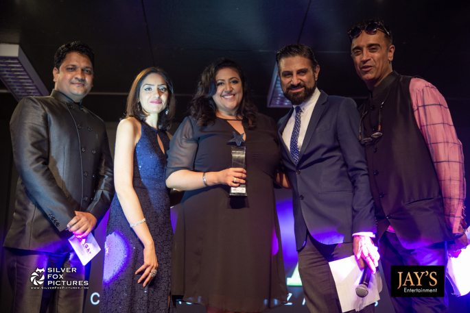 Sukhminder-Kaur-Plus-Size-Award-Presenter-Team