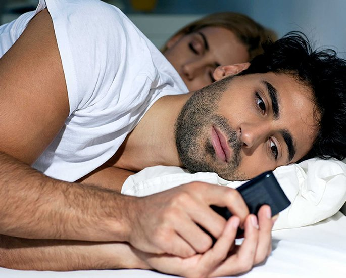 10 Abusive Things against a Partner which are Now Illegal - phone