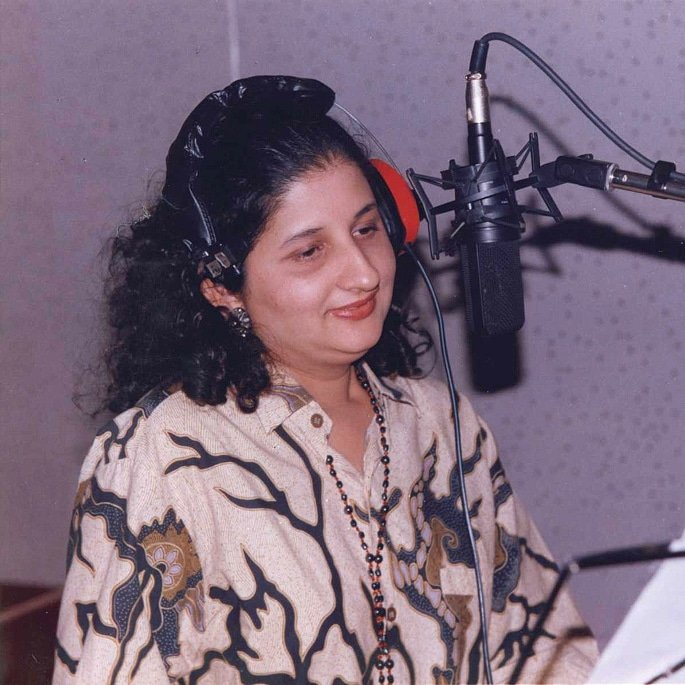 12 Famous Bollywood Female Playback Singers - Anuradha Paudwal