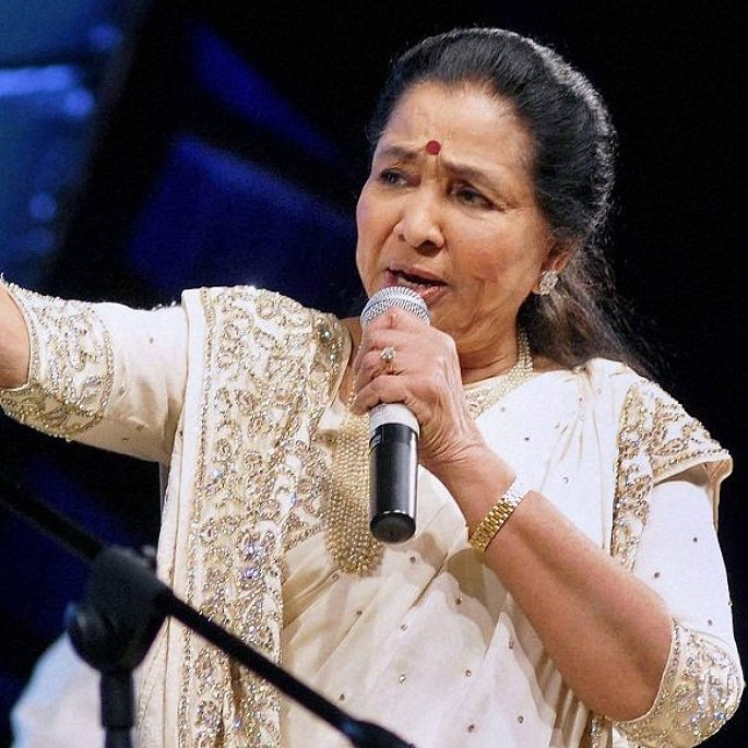 12 Famous Bollywood Female Playback Singers - Asha Bhosle