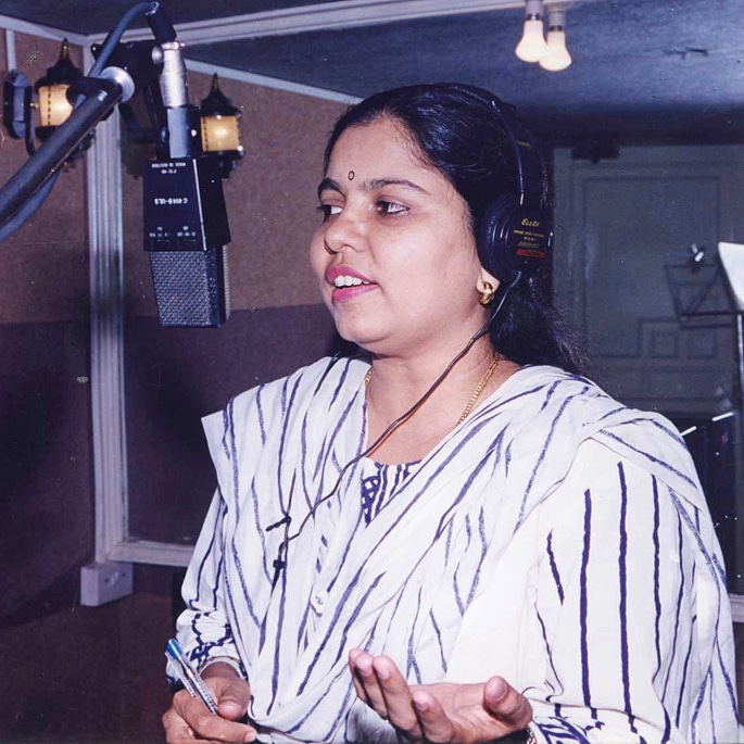 12 Famous Bollywood Female Playback Singers - Sadhana Sargam