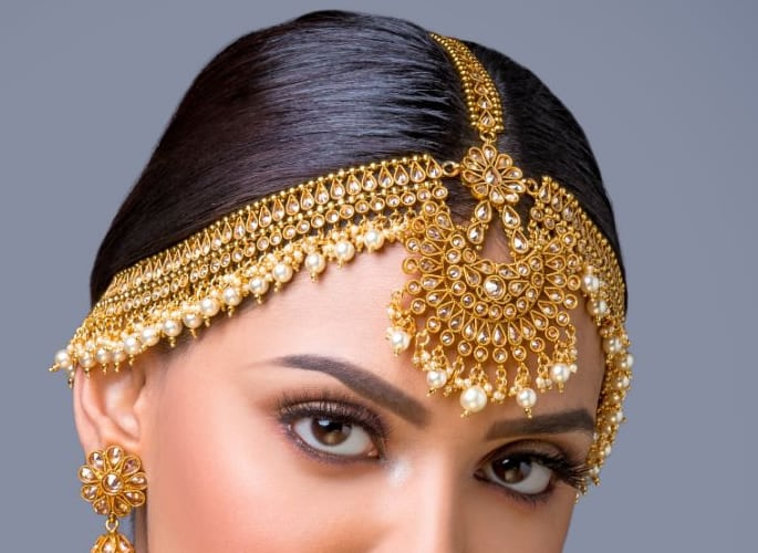 matha patti - gold and pearls