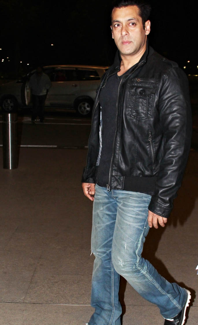 10 Top Casual looks of Bollywood Actors - salman khan