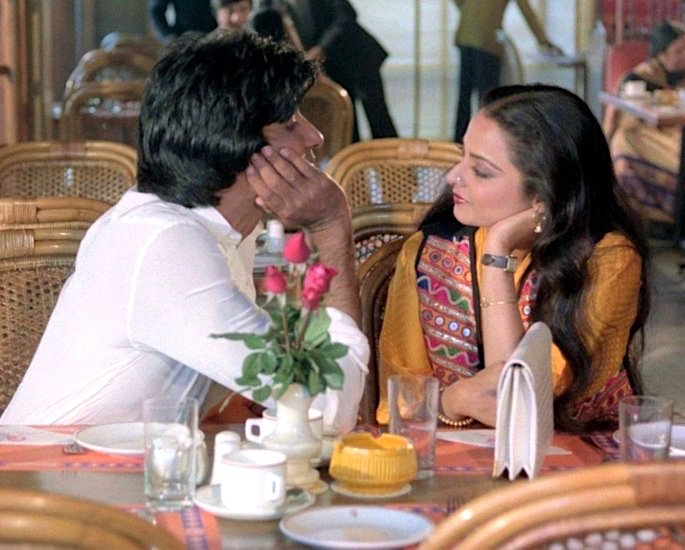 20 Classic Romantic Bollywood Films - Silsila