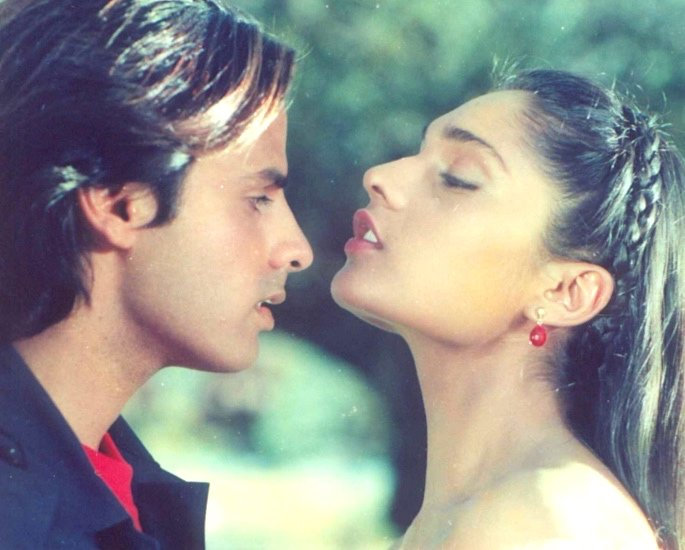 20 Classic Romantic Bollywood Films - aashiqui