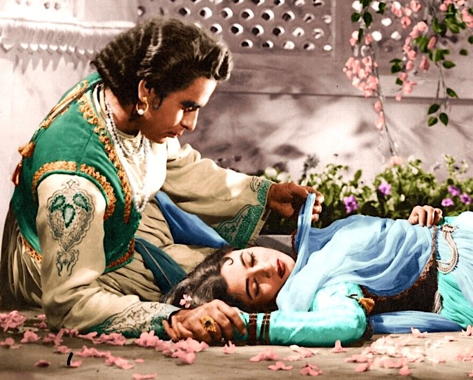 20 Classic Romantic Bollywood Films - mughal e azam
