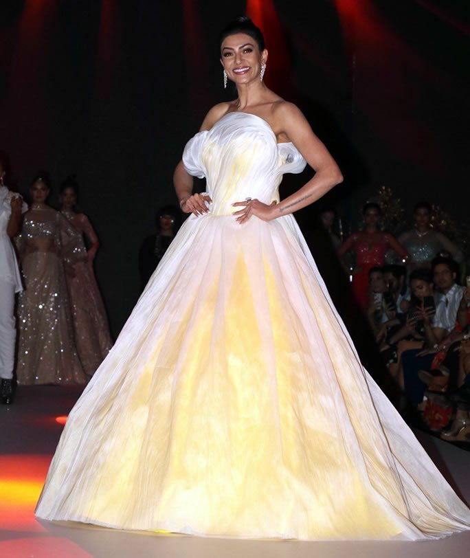 Bombay Times Fashion Week - Sen Gown