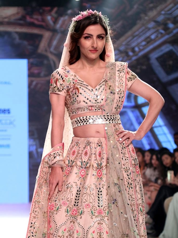 Bombay Times Fashion Week - Soha floral