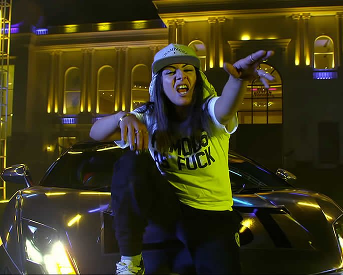 Hard Kaur drops Aunty Dance Kar her First Punjabi Rap song idea