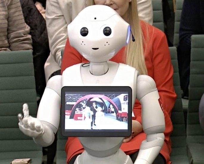 How Robots and AI will Help Education in the UK - broader curriculum