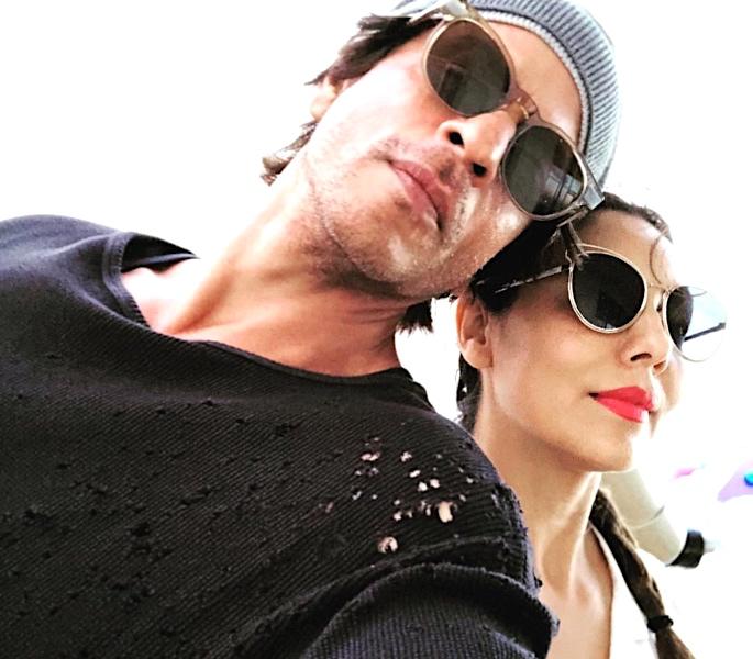 Shah Rukh Khan & Gauri Khan share funny wedding anniversary chat - Shah Rukh & Gauri