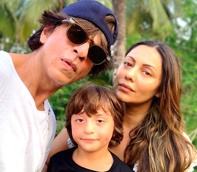 Shah Rukh Khan & Gauri Khan share funny wedding anniversary chat -