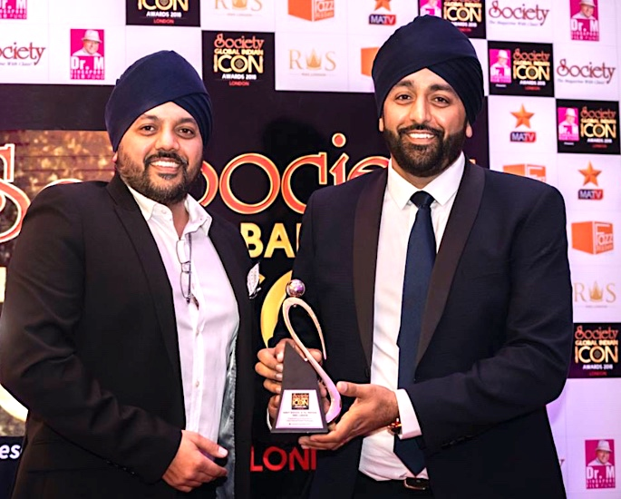 Society Global Indian Icon Awards Taj and Gindy Bhogal