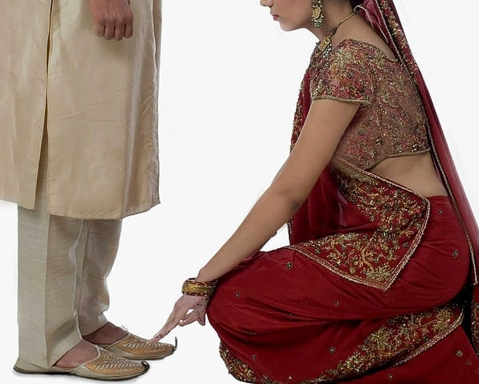 10 Very Odd Reasons for Divorce in Indians - touch feet