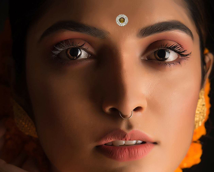 20 Bindi Designs which are Very Fashionable - Stone