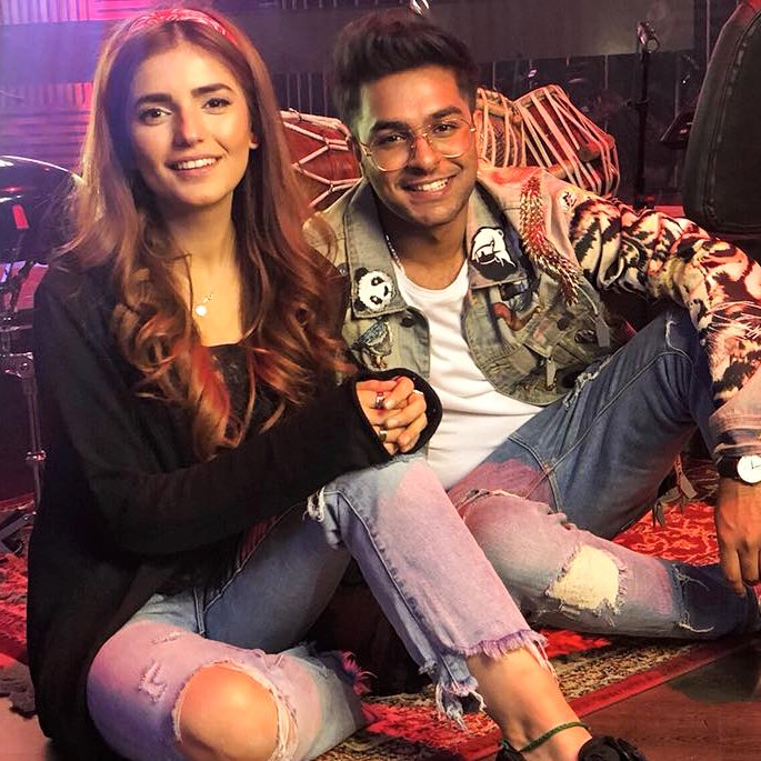 Asim Azhar Releases the Soulful 'Jo Tu Na Mila' in India - Iqra Aziz and Momina Mustehsan