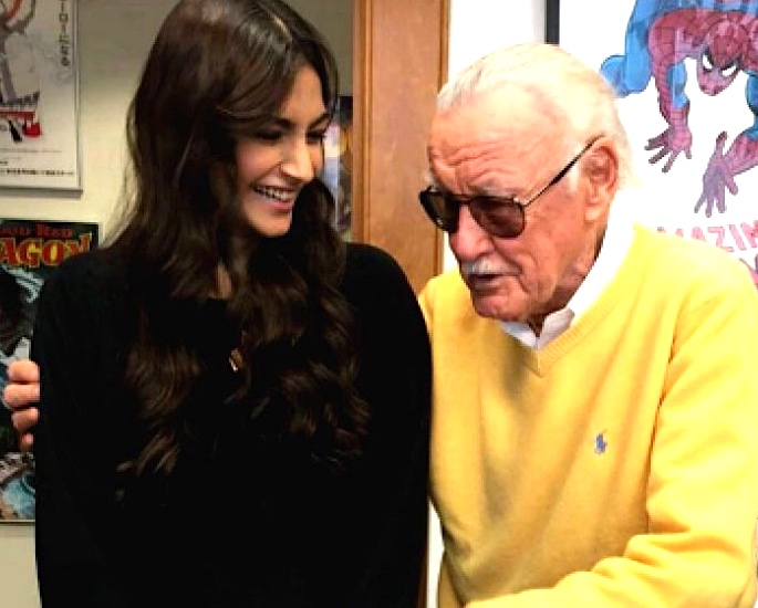 Bollywood showers Tributes for Marvel's Stan Lee - Sonam Kapoor and Stan Lee
