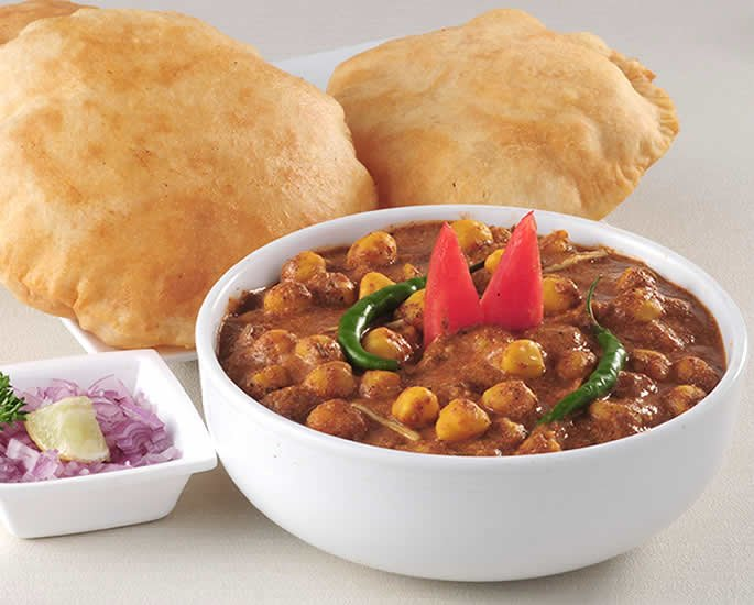Desi Style 3 Course Meal Recipes for Dinner Parties - cholay bhature