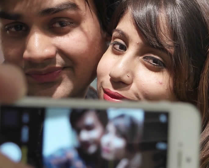 Do Young British Asians Have Time to Date - modern