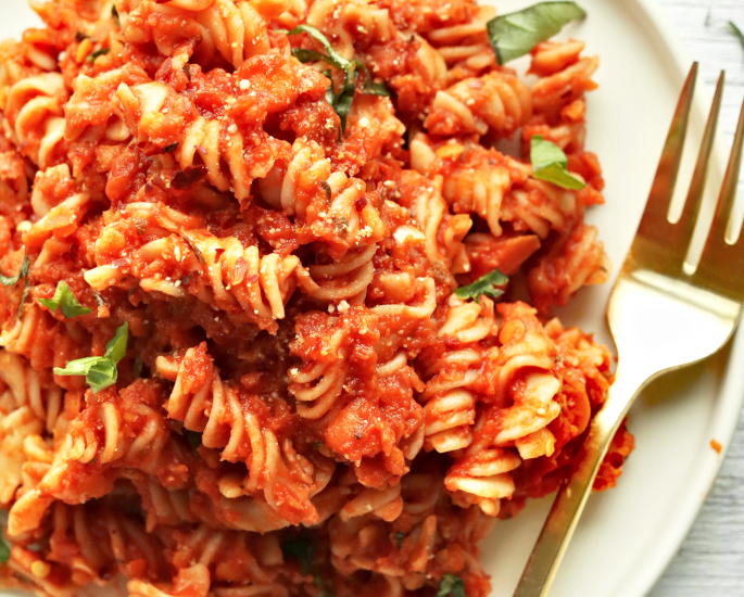 देसी ट्विस्ट - पास्ता के साथ लोकप्रिय विश्व खाद्य व्यंजन