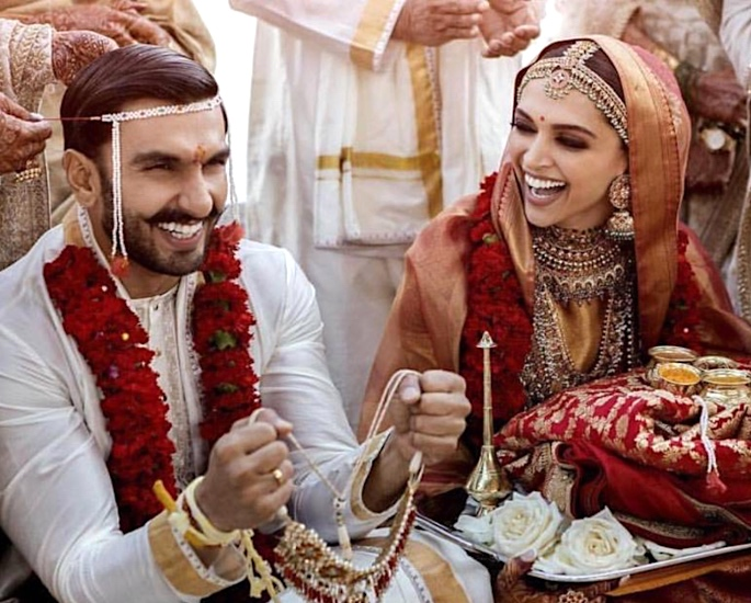 Ranveer & Deepika sail on 4 Crore Royal boat for Wedding - deepika ranveer