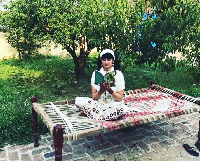Shagufta K Iqbal talks Spoken Word Poetry and The Yoniverse - Shagufta K Iqbal Reading Debut Book in Punjab Pakistan