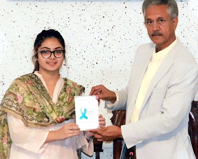 Wasim Akram & Shaniera mock paper for Karachi Mayor Error - Wasim Akhtar