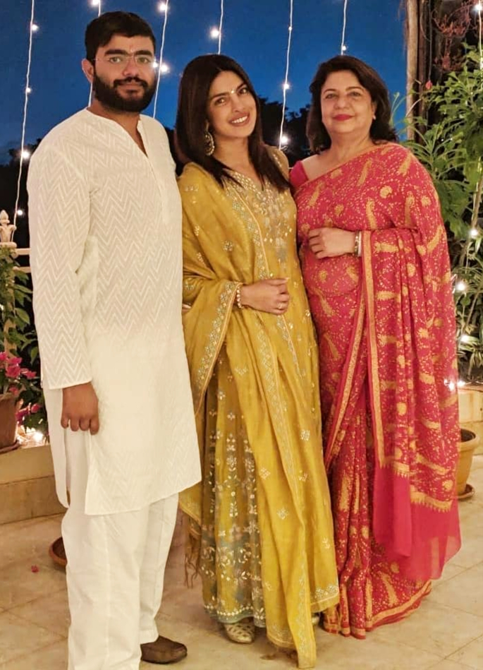 priyanka chopra diwali best looks bollywood 2018 -in article