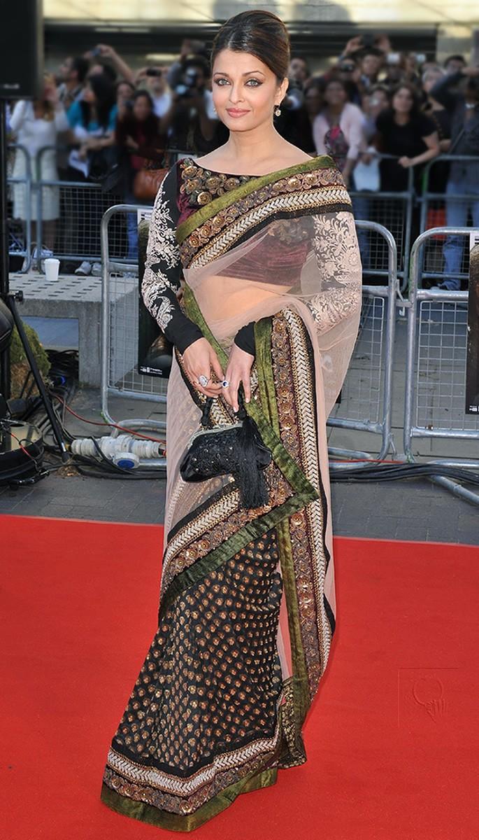 10 Amazing Fashion Looks of Aishwarya Rai Bachchan - Raavan launch