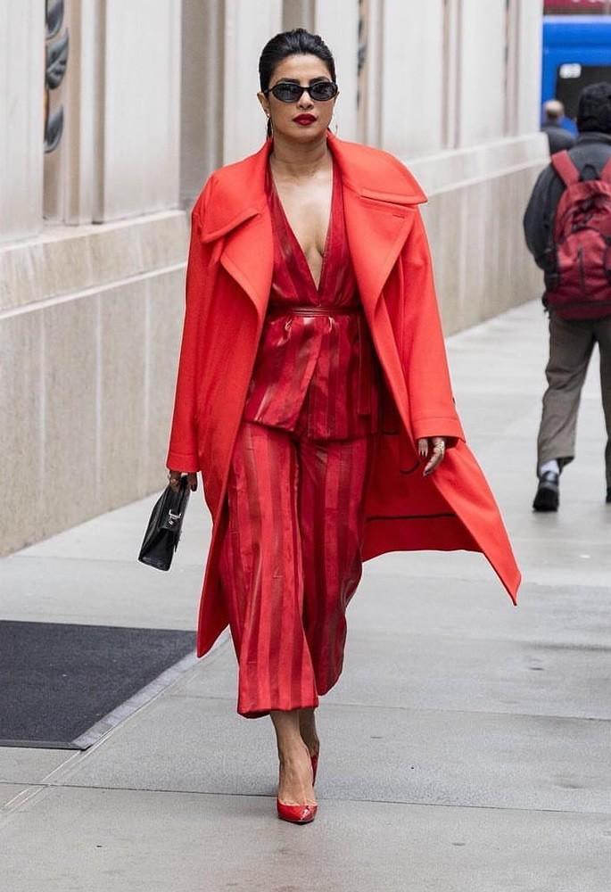 10 Gorgeous Fashion Looks of Priyanka Chopra - two piece