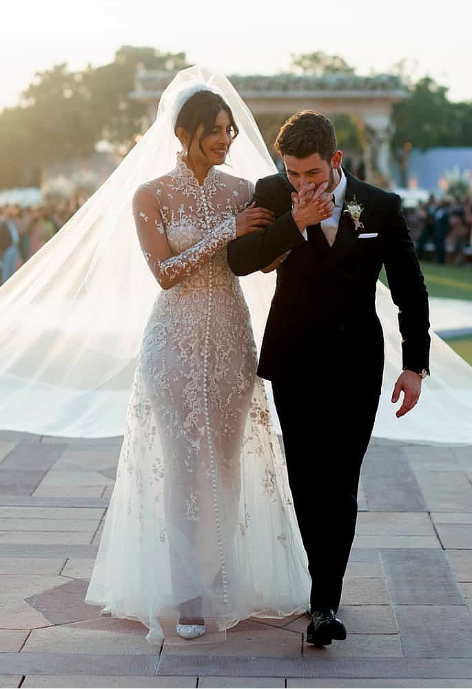 10 Gorgeous Fashion Looks of Priyanka Chopra - wedding gown