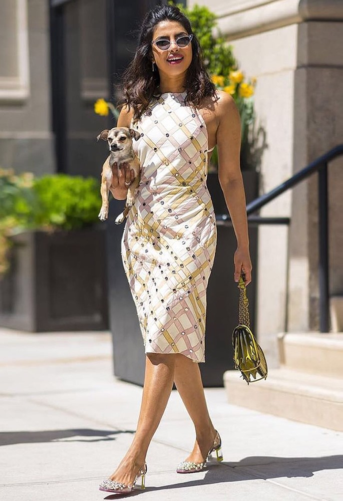 12 Gorgeous Fashion Looks of Priyanka Chopra - summer vibes