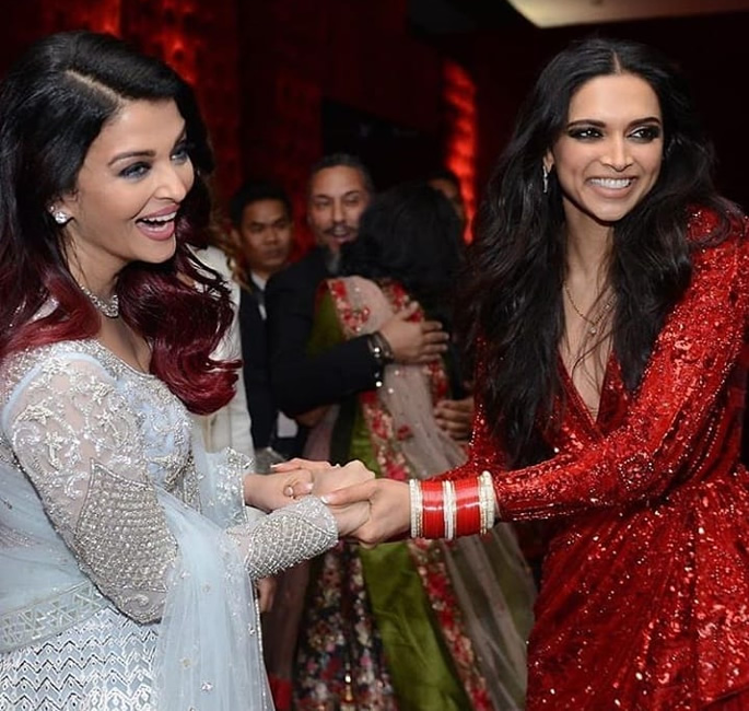 Bachchans groove at Deepika and Ranveer's Bollywood Party - Aishwarya