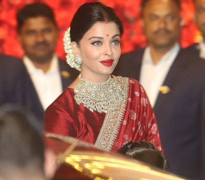 Best Dressed Celebrities at Isha Ambani & Anand Piramal Wedding - aishwarya