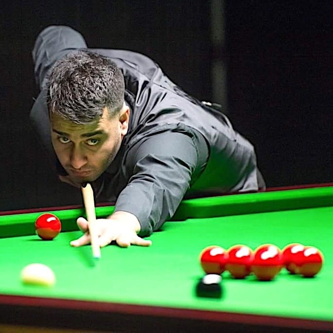 Farakh Ajaib: Snooker player with Natural Flair & Fluidity - break building
