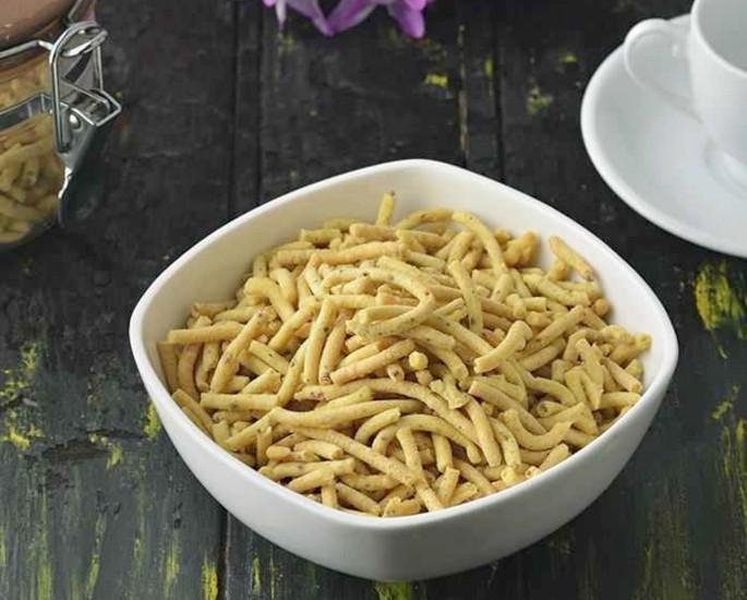 Gujarati Sweets and Savoury Snacks to Enjoy - gathiya
