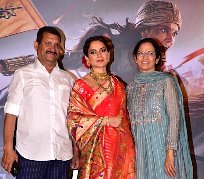 Manikarnika: The Queen of Jhansi Trailer is Exquisite - Kangana Ranaut Mum Dad