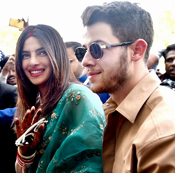 Priyanka Chopra & Nick Jonas are Officially Married - in
