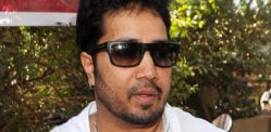 Singer Mika Singh arrested in Dubai for Sending Indecent Photos