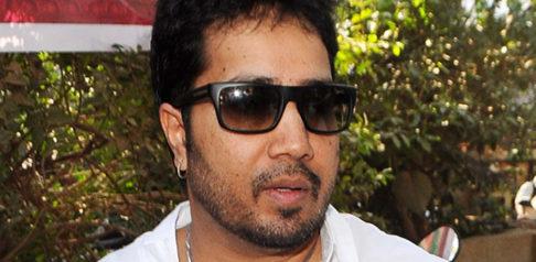Singer Mika Singh arrested in Dubai for Sending Indecent Photos f