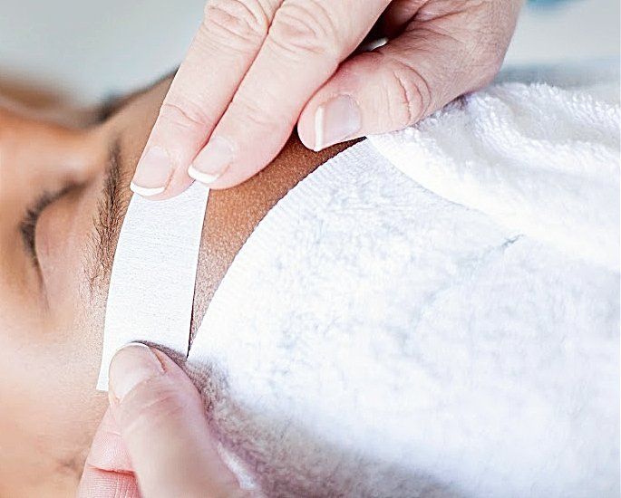 eyebrows waxing - in article (2)