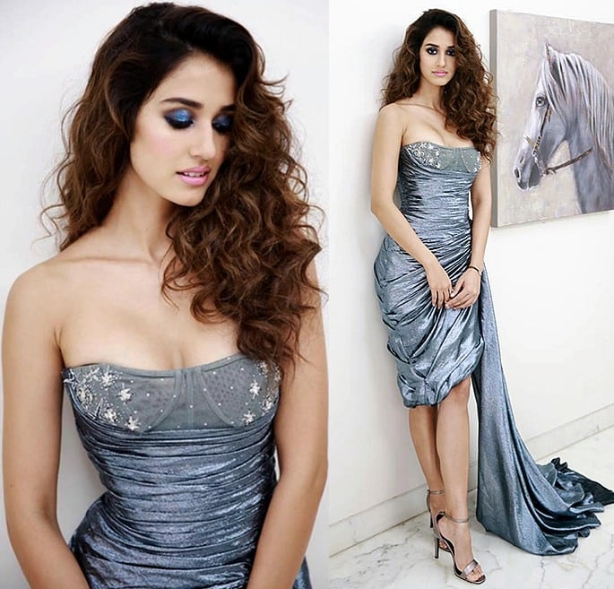 12 Stunning and Sexy Fashion Looks of Disha Patani - grey blue close