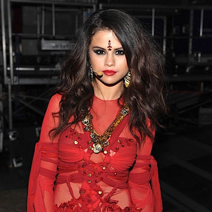 Fashion Trends: Cultural Appropriation or Cultural Appreciation? - Selena Gomez