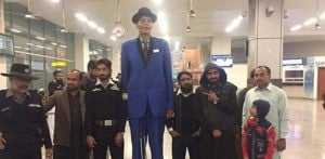 Pakistan's Tallest Man Reveals Struggle to find Love f